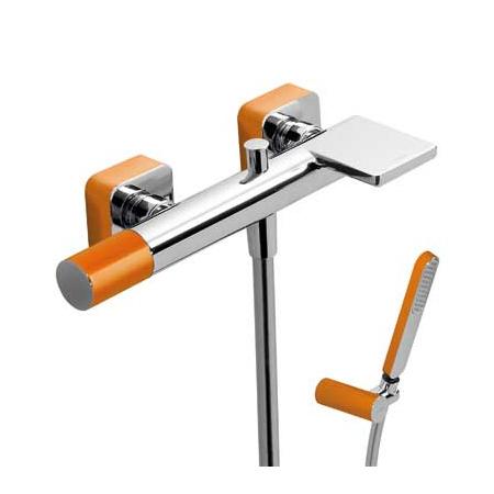 Tres Loft-Colors Jednouchwytowa bateria wannowo-prysznicowa natynkowa z pokrętłem z kaskadową wylewką, pomarańczowa 200.170.01.NA